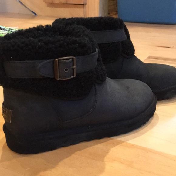 d77476b6f37 UGG Jocelin short buckle boot black